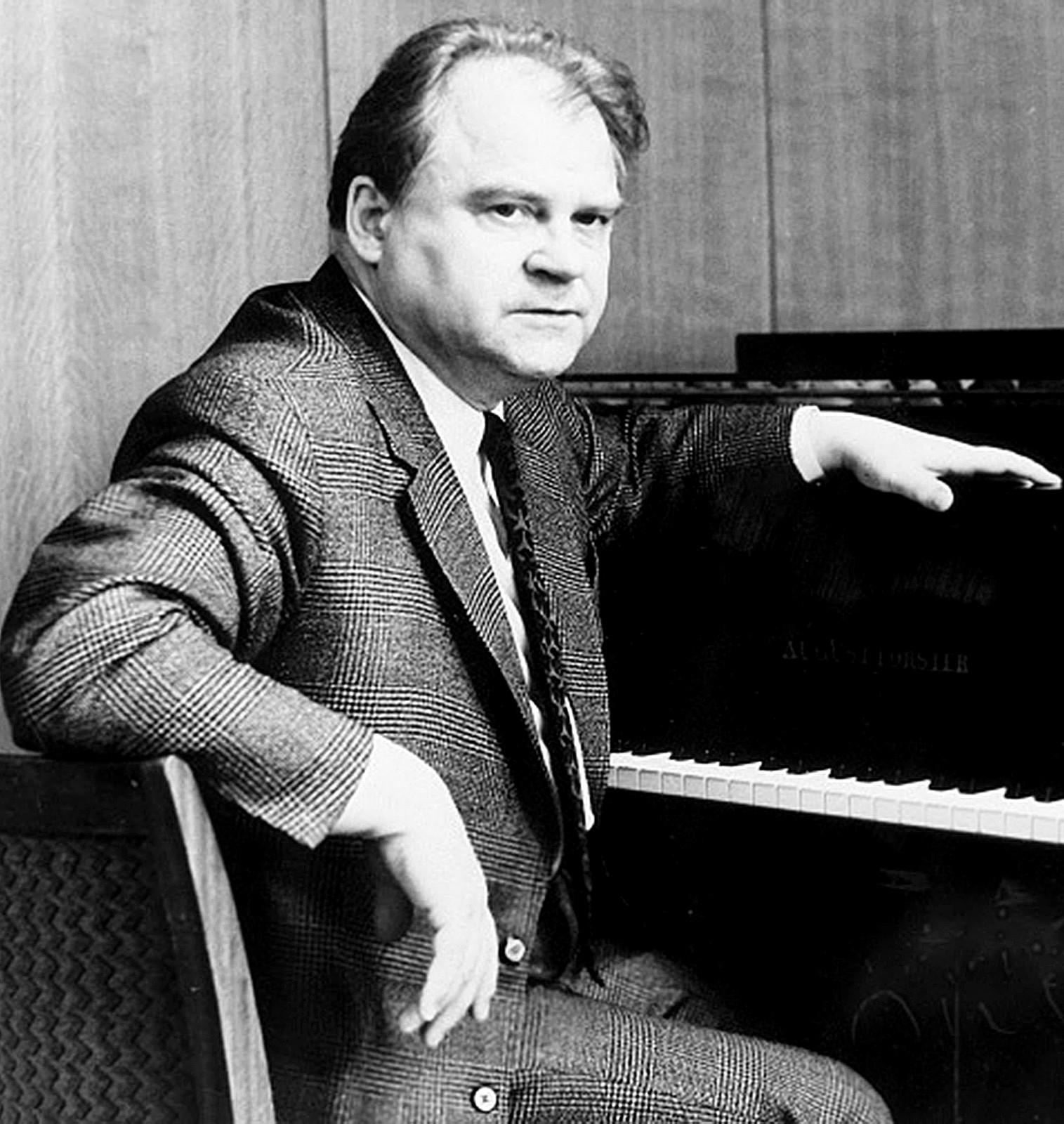 Тихон Николаевич Хренников (1913-2007), российский композитор