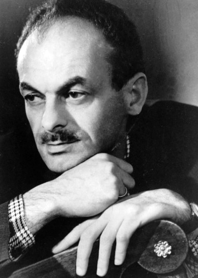 Булат Шалвович Окуджава (1924-1997), российский поэт, прозаик, сценарист