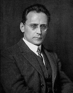Антон Веберн (1883-1944), австрийский композитор и дирижёр