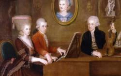 Семейный портрет: Вольфганг, Наннерль (за клавесином) и Леопольд Моцарты