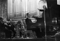 Первый всесоюзный конкурс музыкантов-исполнителей, Святослав Рихтер играет I концерт П. И. Чайковского (фото 1945 г.)